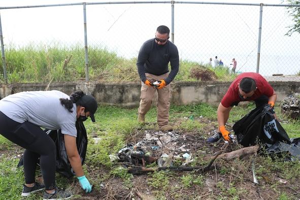 Air advisors lend hand to local Panamanian community