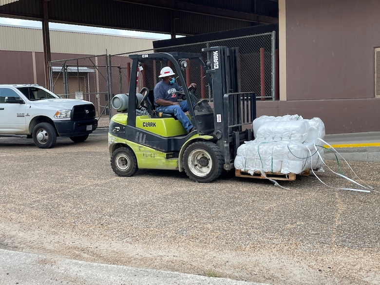 The U.S. Army Corps of Engineers Vicksburg District provides 100,000 sandbags to Mississippi Emergency Management Agency MEMA, Aug. 27, 2021, Vicksburg, Mississippi, ahead of Hurricane Ida.