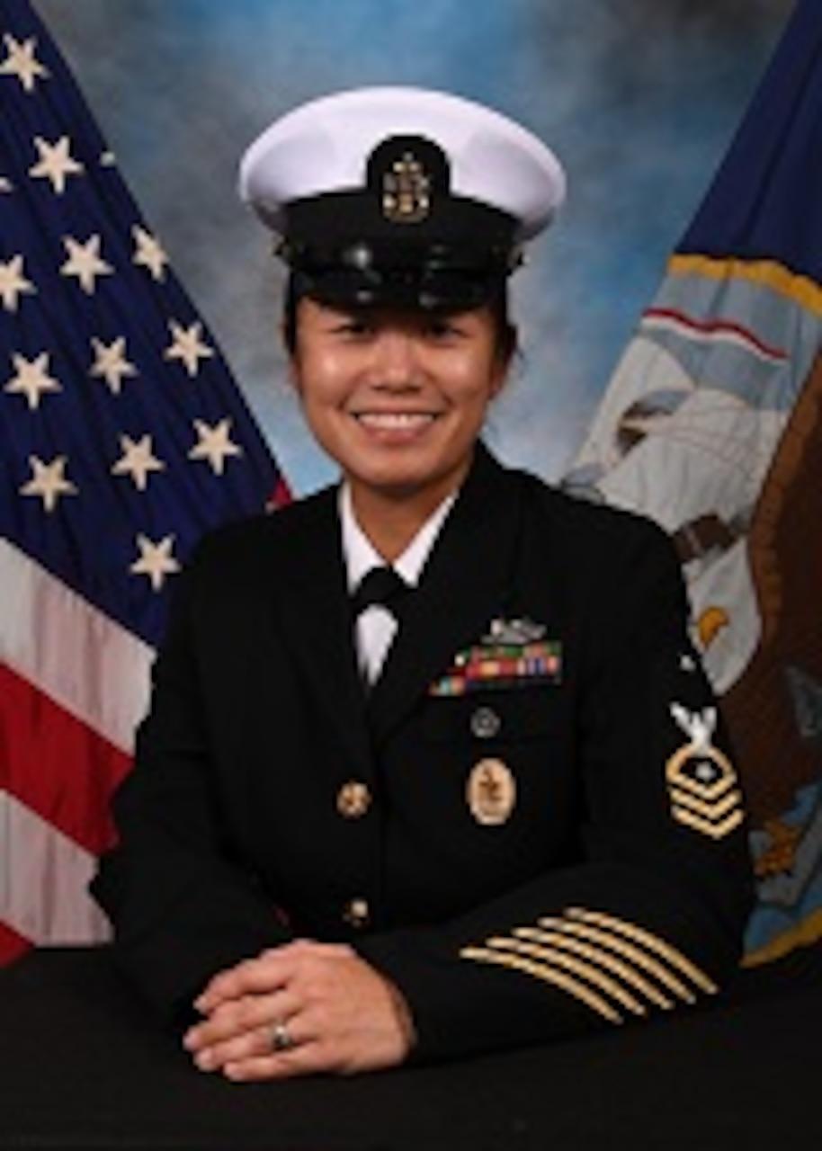 Senior Chief Donna K. Baraoidan