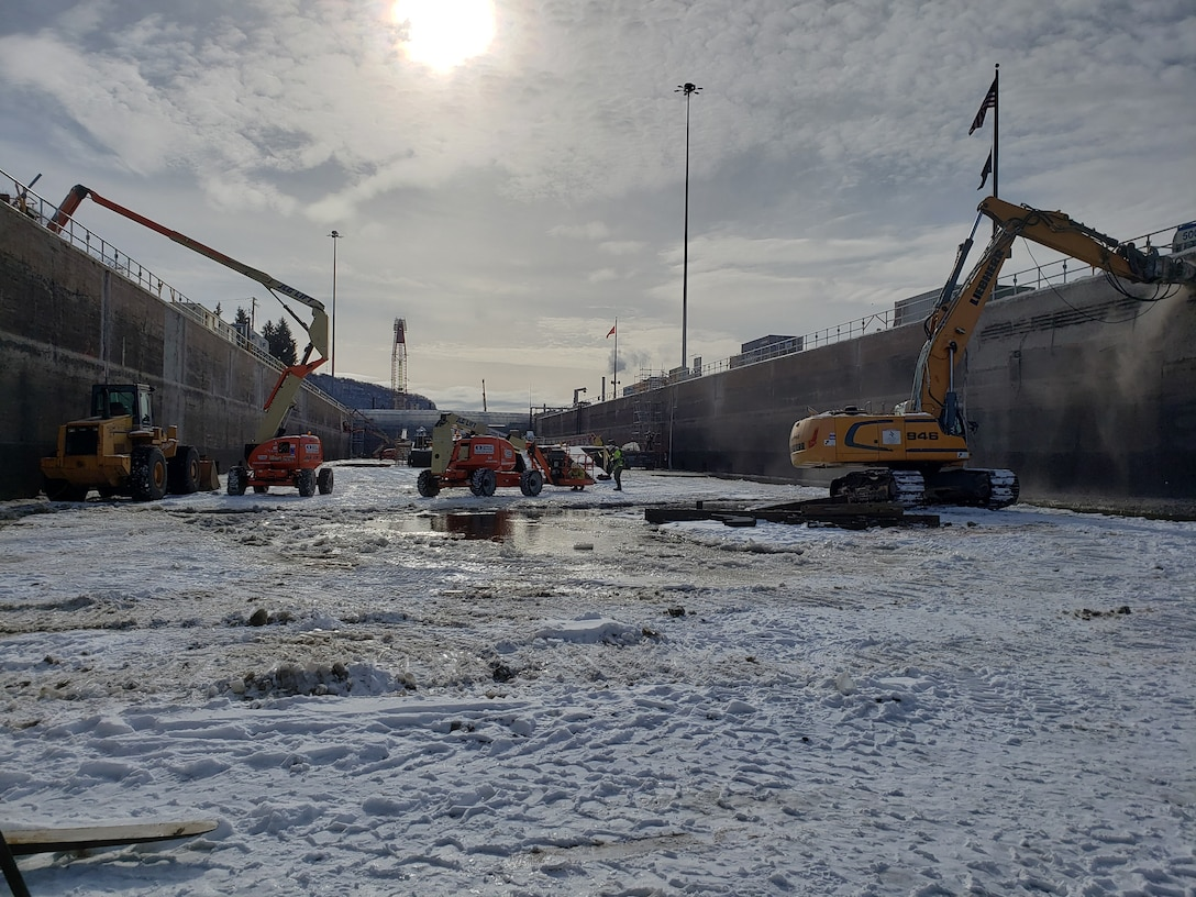 The U.S. Army corps of Engineers, St. Paul District performs maintenance and repairs at Lock and Dam 4 in Alma, Wisconsin.