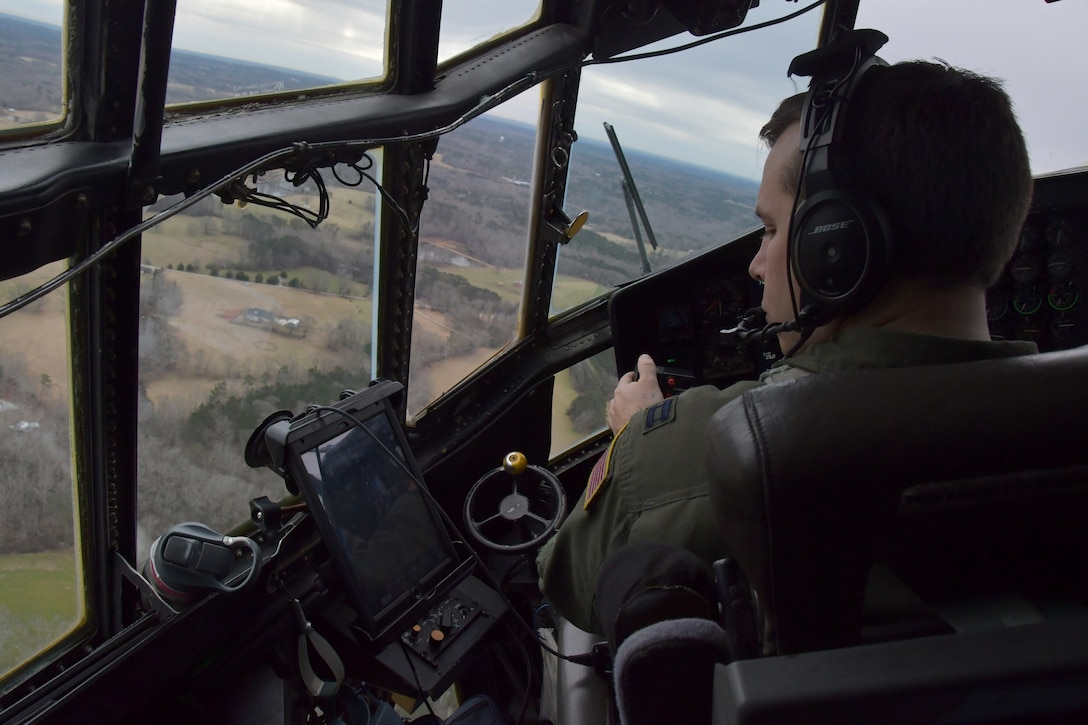 94th Airlift Wing Assists in U.S. Army Reserve Paratrooper Exercise