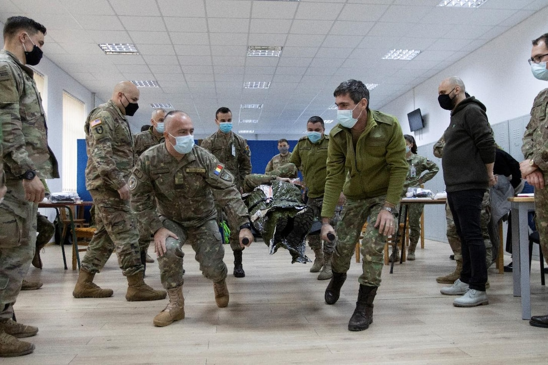U.S. Army Civil Affairs, Medics Teach Combat Lifesaver Course to Romanian Land Forces