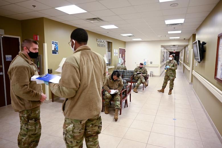 Airmen receive COVID-19 vaccine