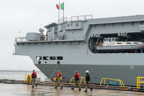 The Italian navy aircraft carrier ITS Cavour (CVH 550) arrives at Naval Station Norfolk.
