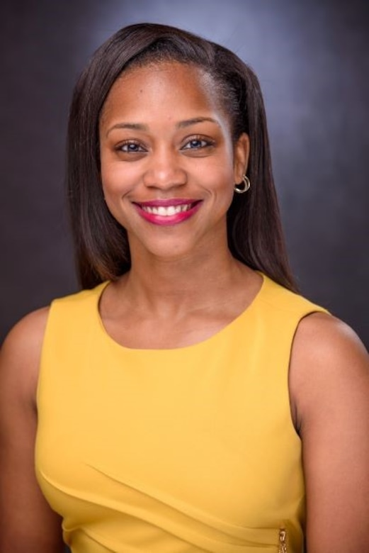 DeAnna Dixon, a civil engineer at the U.S. Army Engineer Research and Development Center's Information Technology Laboratory, was honored as a Modern-Day Technology Leader at the 2021 Black Engineer of the Year Awards Science, Technology, Engineering and Mathematics Conference.