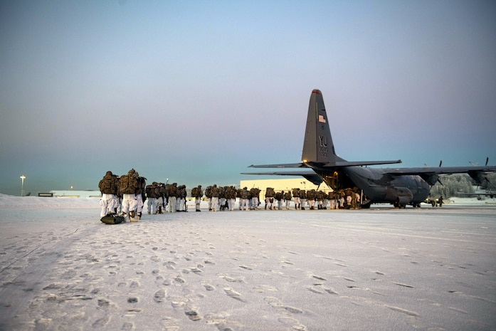 Arctic Airlift, 374th AW assists Army in sub-zero training