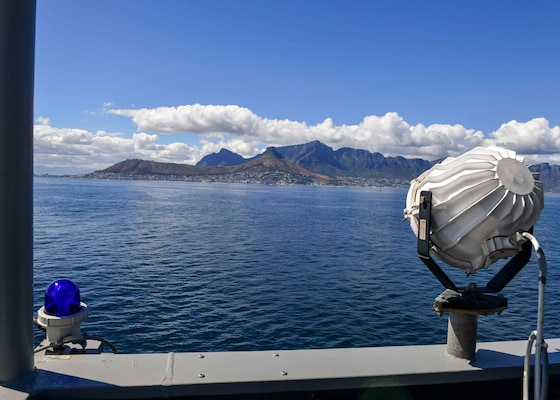 """USS Hershel """"Woody"""" Williams (ESB 4) pulls into the Cape Town harbor."""