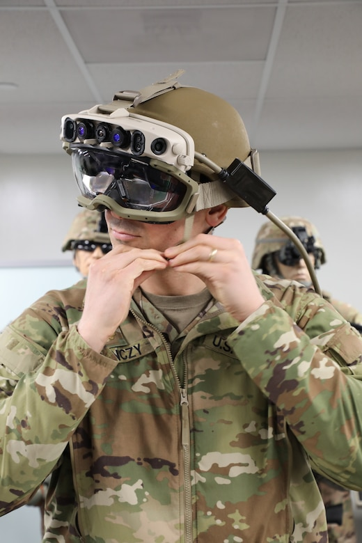 A Soldier dons the Integrated Visual Augmentation System (IVAS) Capability Set 3 (CS3) at the Soldier Integration Facility (SIF) at Fort Belvoir, VA in January 2021.