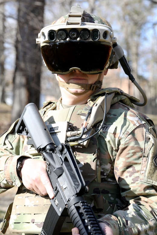 A Soldier dons the Integrated Visual Augmentation System (IVAS) Capability Set 3 (CS3) at Fort Belvoir, VA in January 2021.