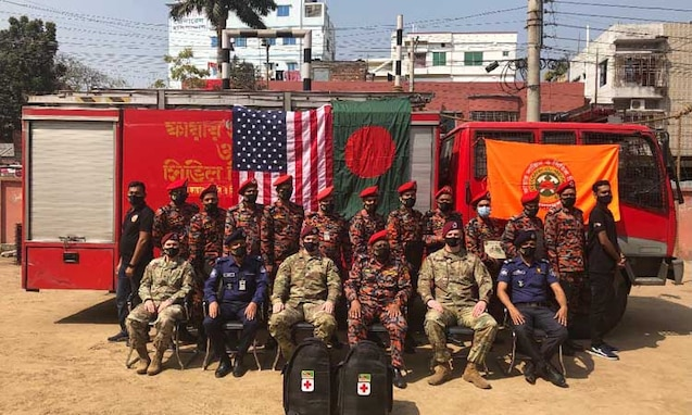 U.S. Embassy Partners  with Rajshahi Fire Service and Civil Defense to Build Capacity of Medical First Responders
