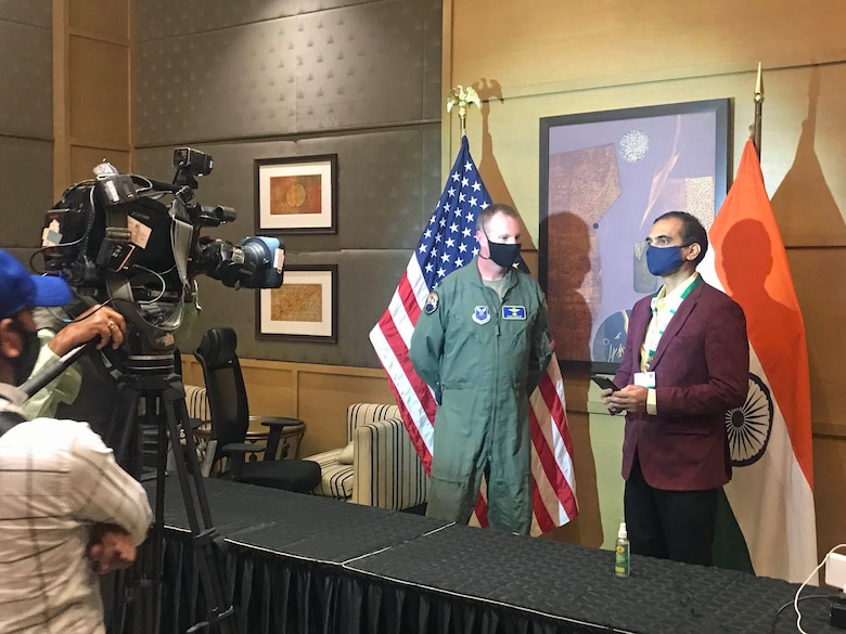 TV interview with USAF aircrew on B-1 participation