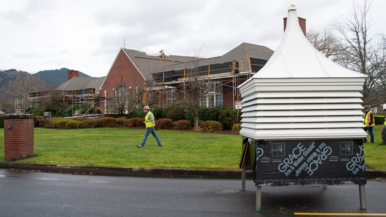 Portland District put new roofs on the Bonneville Dam Project Office and Auditorium buildings.