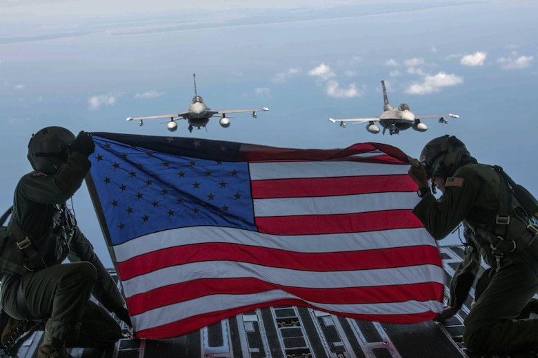 Team Charleston flies in Salute from the Shore