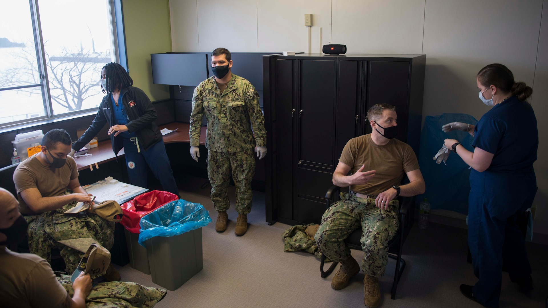 U.S. 7th Fleet Sailors Receive COVID Vaccine
