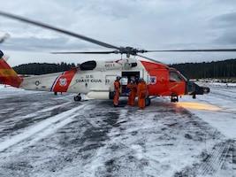MH-60 crew helps Alaska health organization deliver COVID-19 vaccines