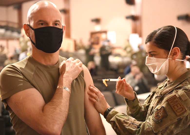 general gets vaccine