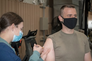 55th Medical Group medical personnel administered the COVID-19 vaccine to Col. Patrick Williams at the Airman Leadership School on Offutt Air Force Base, Nebraska Jan. 11.
