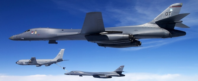 b1-b lancers in flight