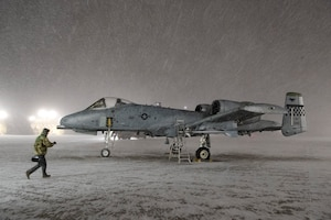 Winter wonderland: A-10 Airmen overcome frigid weather