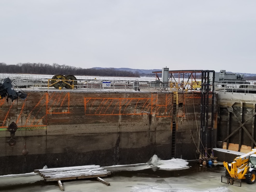 Concrete is identified for removal and replacement at Lock and Dam 4
