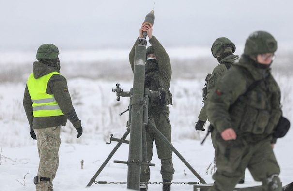 Lithuanian and U.S. mortar men train to increase battlefield lethality