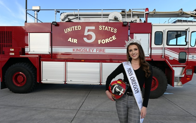 Miss Oregon and fire truck