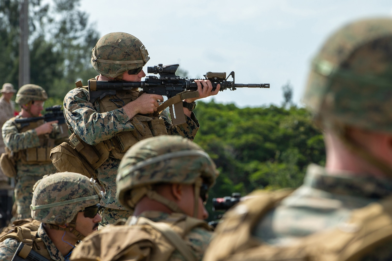 Marines contend in rifle squad competition