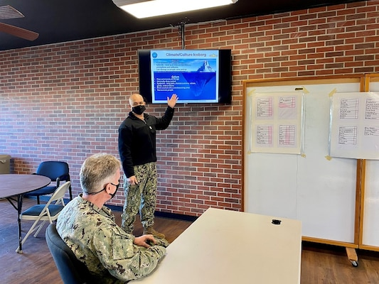Reserve Unit Conducts Afloat Cultural Workshops for Pacific Fleet