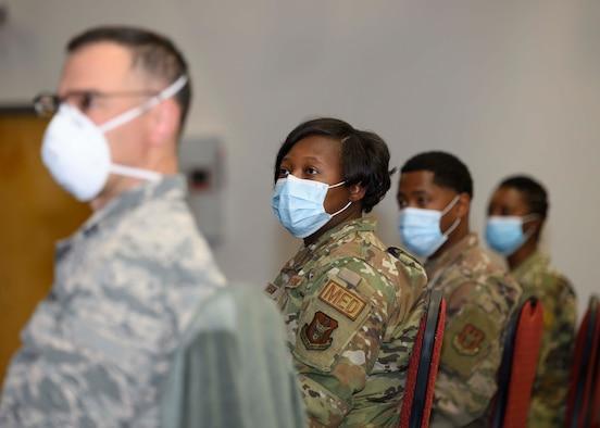 Photo of Airmen wearing masks.
