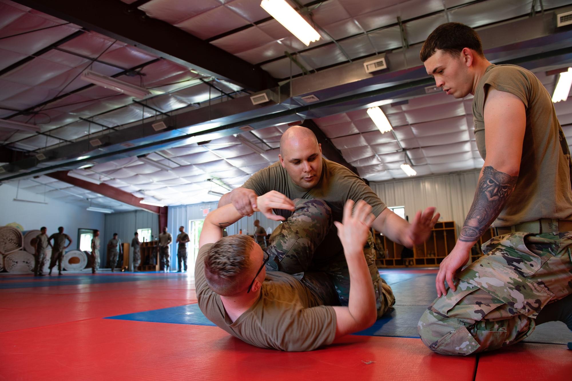 514th SFS combatives training