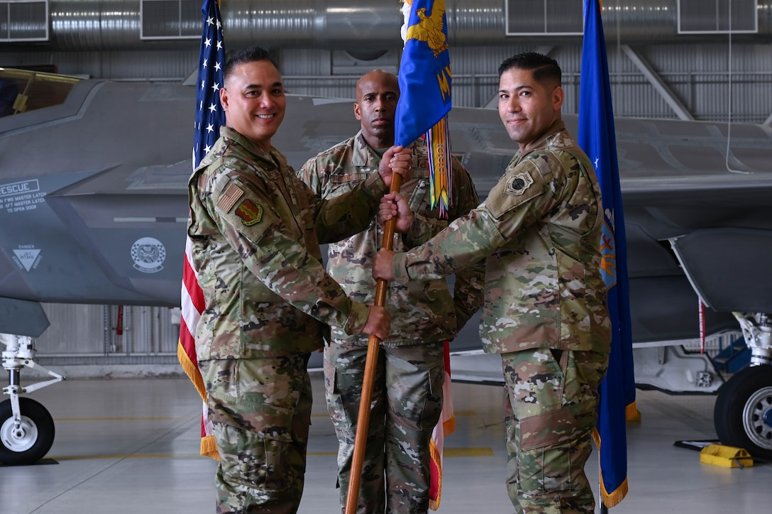 33rd MXS Change of command