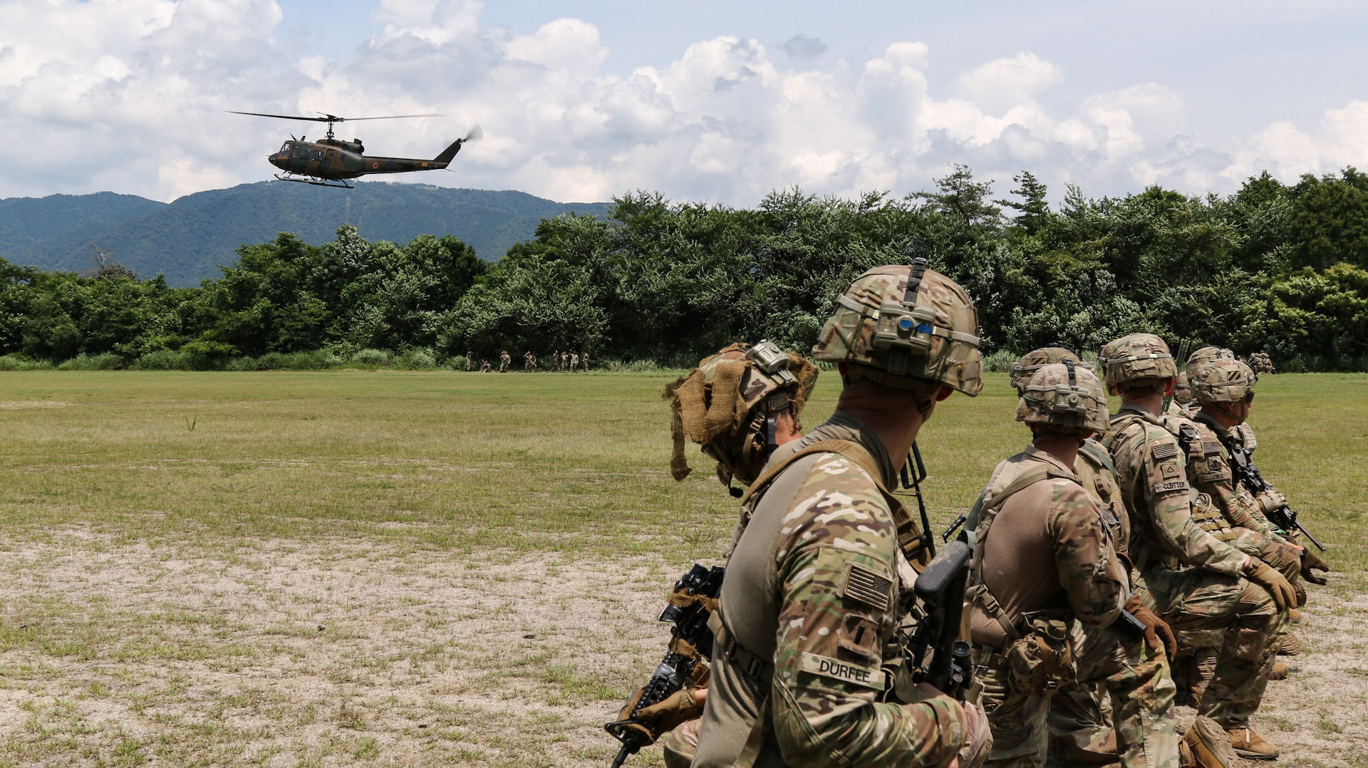 Orient Shield 21-2 train to conduct air assault operations