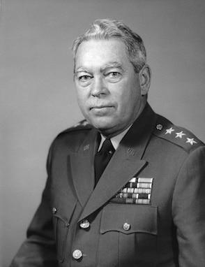 A portrait of LTG Andrew T. McNamara