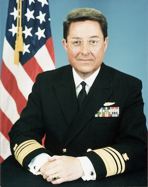 A portrait of VADM Edward M. Straw