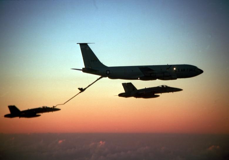 KC-135 STRATOTANKER (U.S. Air Force photo)
