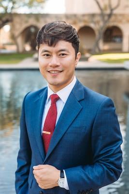 Dr. Noah Myung