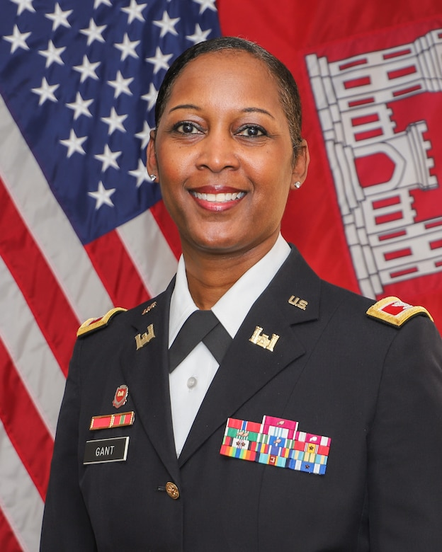 Col. Antoinette Gant Official Photo