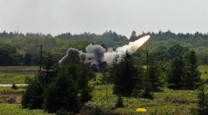 U.S. Army High Mobility Artillery Rocket System's with 17th Field Artillery Brigade conducted over 12 bilateral live fire missions with 4th Field Artillery Group, 陸上自衛隊 Japan Ground Self-Defense Force Northern Army at Yausubetsu Training Area from June 28-30.
