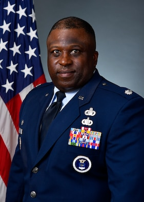 Lt Col Eric Saunders official photo