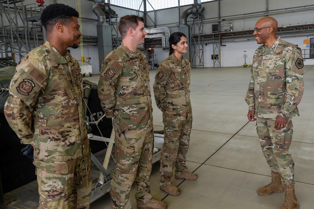 General Brown speaks to Ramstein Airmen