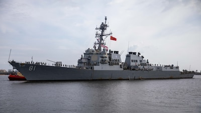 The Arleigh Burke-class guided-missile destroyer USS Winston S. Churchill (DDG 81) arrives at Naval Station Mayport, Florida.