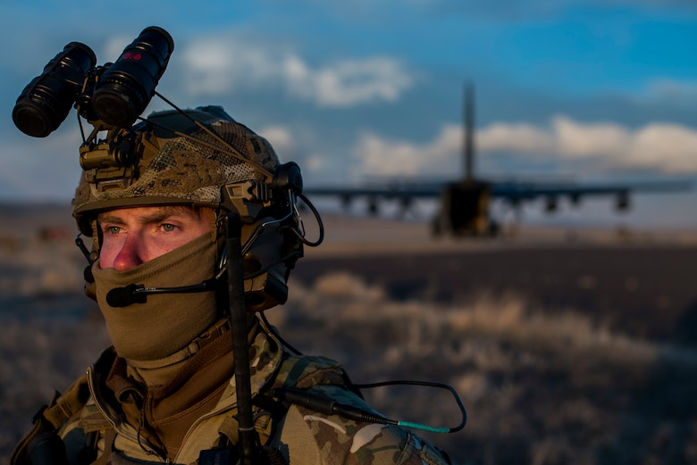 A Deployed Aircraft Ground Response Element Airman assigned to the 27th Special Operations Mission Support Team provides security during a 27th Special Operations Wing operational readiness exercise at Dugway Proving Grounds, Utah, March 22, 2021. The Mission Support Team concept provides a way forward in building small, scattered teams capable of operating independent of main operating bases. (U.S. Air Force photo by Senior Airman Vernon R. Walter III)