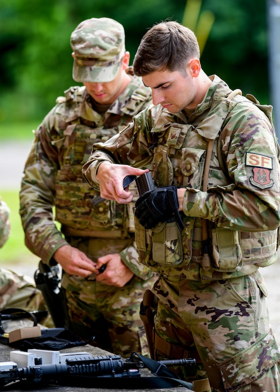 The Integrated Defense Leadership Course provides Reserve Defenders with intensely focused hands-on training to achieve and maintain combat readiness.