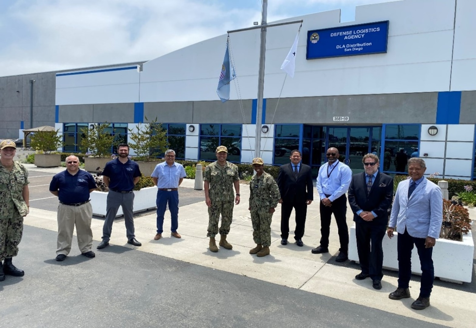 DLA Distribution San Diego hosts Naval Supply Systems Command Weapon Systems Support Commander
