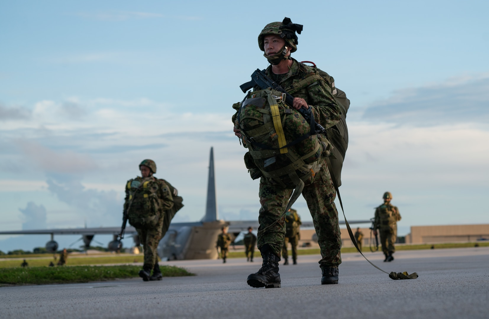Paratroopers descend on Guam during Exercise Forager 21
