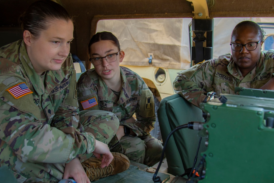 647th RSG Soldiers Conduct Radio Operations Training During Battle Assembly