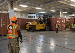 'Sentinel Soldiers' offload CTEF vehicles, containers from Qatari base shutdown