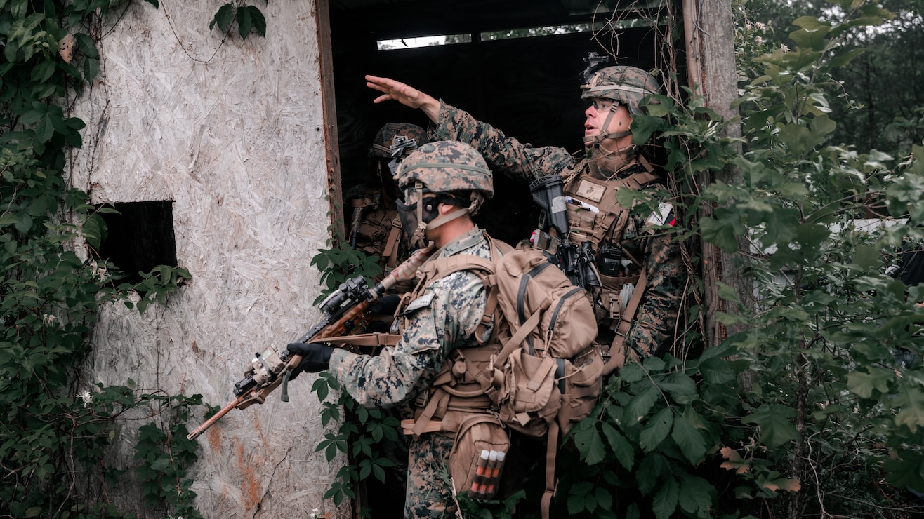 U.S. Marines with 3rd Battalion, 2d Marine Regiment (3/2), 2d Marine Division, conduct a day raid during Exercise Raven in Nashville, Tenn., May 29, 2021. Exercise Raven is an integrated training exercise with Marines from 3/2 and Marine Corps Forces Special Operations Command simulating real-life tactical scenarios to enhance overall unit interoperability, effectiveness and lethality against an adversarial force. (U.S. Marine Corps photo by Cpl. Patrick King)