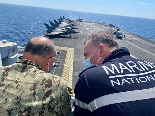 CNO meets with French CEMM