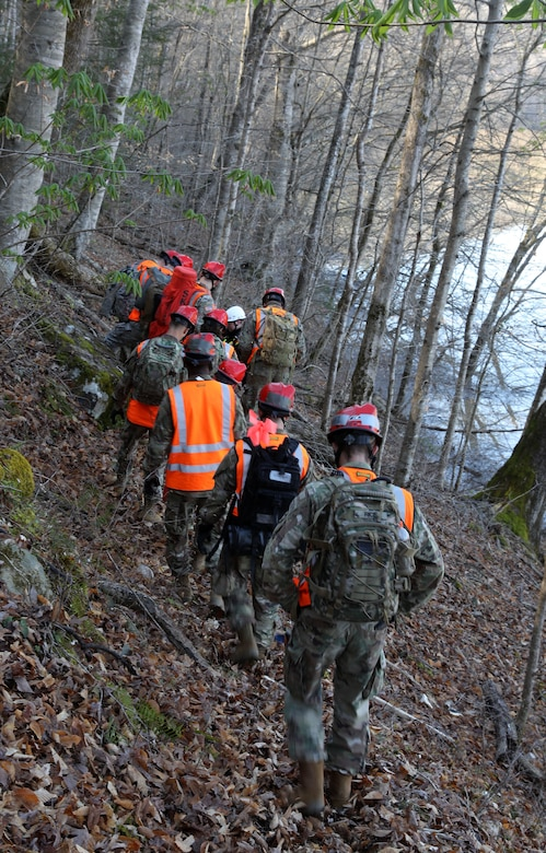 Kentucky National Guard's CERFP team work with the London-Laurel Rescue Squad